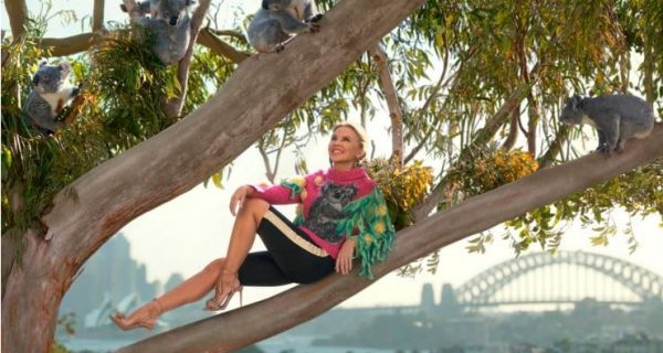 Kylie Minogue plus koals - Photo from Tourism Australia